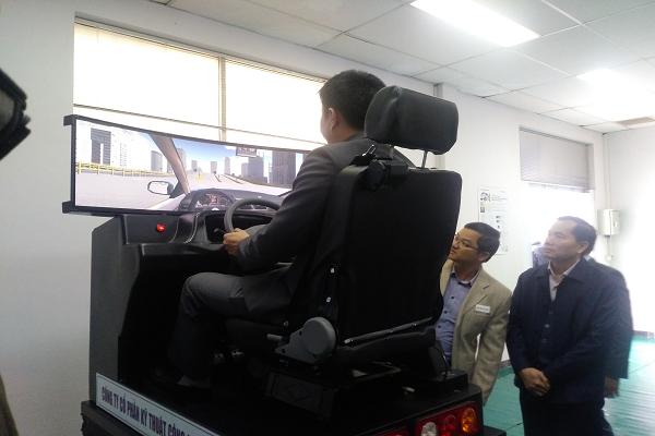 Học lái xe qua phần mềm mô phỏng 3D - Học phí bằng lái xe ô tô